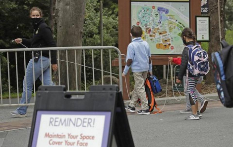 Bang California đóng cửa doanh nghiệp, trường học khi số ca nhiễm mới tăng nhanh