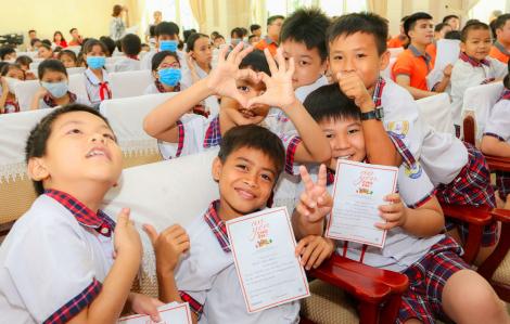 1.000 phần quà cho trẻ em bị ảnh hưởng bởi dịch COVID-19