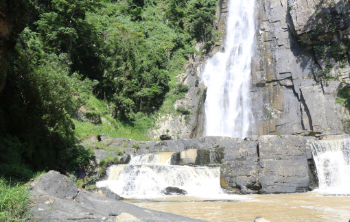 Gian nan chinh phục ngọn thác hoang sơ đẹp nhất Lâm Đồng