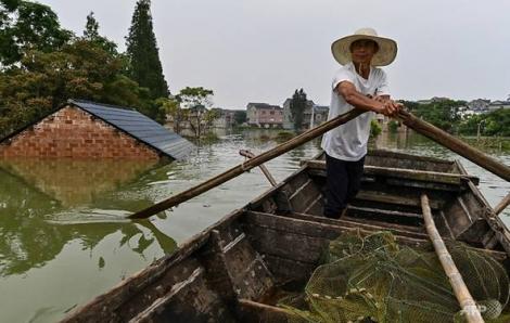 Hàng trăm người chết, mất tích vì mưa lũ ở châu Á
