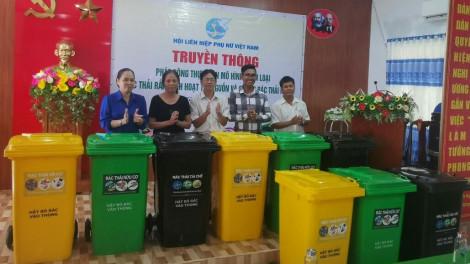 Nhiều địa phương đồng loạt phát động mô hình phân loại rác thải rắn tại nguồn