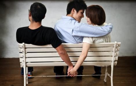 Tăng mức phạt tiền đối với hành vi ngoại tình