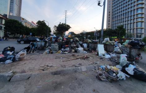 Phó bí thư Thành ủy Hà Nội xin lỗi người dân sống gần bãi rác Nam Sơn