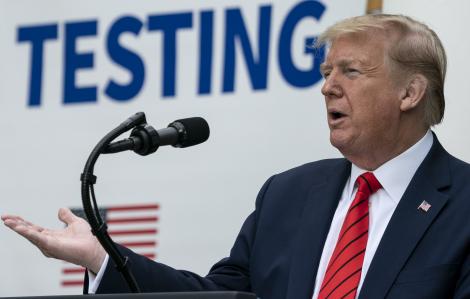 Chính quyền Trump muốn bóp nghẹt nguồn lực đối phó với COVID-19