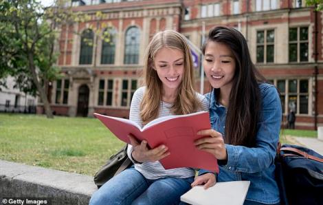 9 trường đại học Anh phụ thuộc hơn 20% tổng thu học phí từ sinh viên Trung Quốc