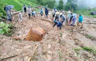 Sạt lở nghiêm trọng ở Hà Giang, 2 mẹ con bị vùi trong đất đá