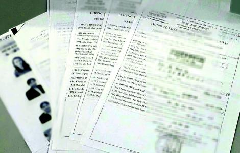 Bất thường: Lao công ở Sở Giáo dục và Đào tạo cũng được trả tiền... biên soạn sách!