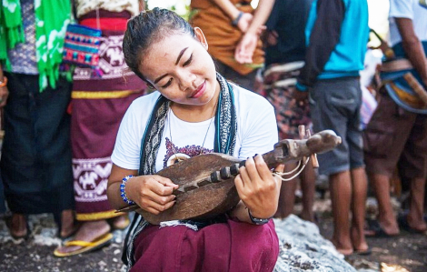 Hủ tục man rợ và lối thoát cho phụ nữ ở Indonesia