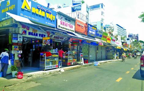 UBND TPHCM chỉ đạo xử lý vụ ki-ốt nằm giữa đường Lương Hữu Khánh