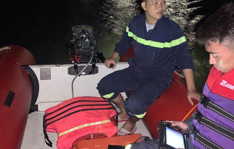"""Tắm sông Lam """"giải nhiệt"""", 2 mẹ con cùng cháu ruột bị nước cuốn trôi"""