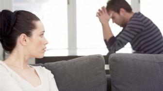 Không thể ngồi sui với chồng cũ?