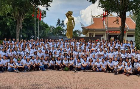 Hội LHPN TPHCM: Dâng hương tưởng niệm Anh hùng Võ Thị Sáu