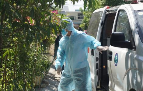 Ảnh: Đà Nẵng đưa người nhà bệnh nhân nghi nhiễm COVID-19 đi cách ly