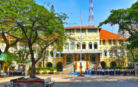 Sáng nay, 3.873 học sinh tranh 525 suất vào lớp 6 Trường THPT chuyên Trần Đại Nghĩa.