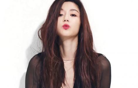 """""""Mợ chảnh"""" Jun Ji Hyun hé lộ lý do tham gia """"Kingdom"""""""