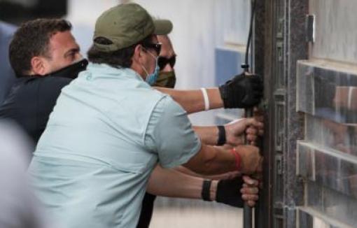 Đặc vụ Mỹ tiến vào lãnh sự quán Trung Quốc tại Houston sau thời hạn đóng cửa