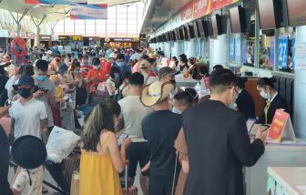 Clip: Sân bay Đà Nẵng đông nghẹt khách rời đi