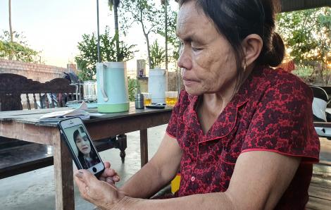 Cạn nước mắt vì những trận đòn nơi xứ người, người mẹ trẻ cầu cứu được về quê