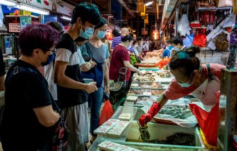 Người dân Hồng Kông bị phạt 645 USD nếu không đeo khẩu trang