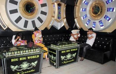 Quảng Nam: Tạm đình chỉ tất cả dịch vụ karaoke, quán bar, vũ trường