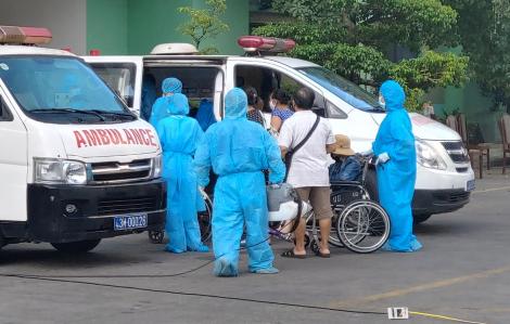 Bệnh viện Đà Nẵng chuyển hơn 2.000 bệnh nhân, người nhà ra các khu cách ly