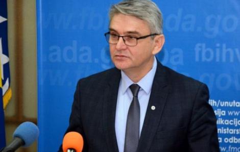 Bộ trưởng Bosnia và Herzegovina qua đời sau khi xét nghiệm dương tính SARS-CoV-2