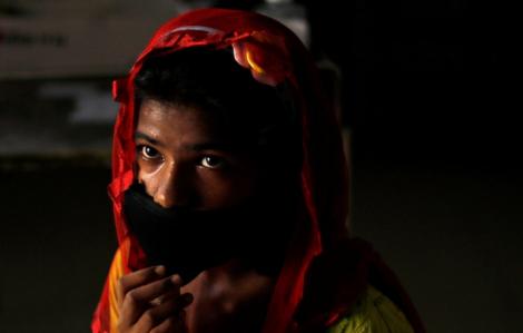 """Những đứa trẻ bước vào """"địa ngục trần gian"""" trong mùa dịch COVID-19 tại Ấn Độ"""