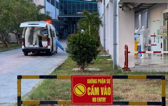 Bệnh viện Trung ương Huế tiếp nhận thêm 8 bệnh nhân COVID-19 nặng chuyển từ Đà Nẵng