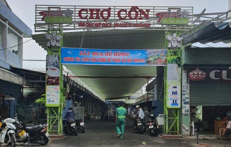 Đà Nẵng: Cửa hàng bán đồ ăn mang về bị phạt, chợ, siêu thị bán thoải mái