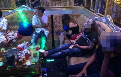 """Mặc Sài Gòn giãn cách xã hội, 26 nam nữ vẫn tổ chức """"tiệc ma tuý"""" ở nhà hàng New Sky"""