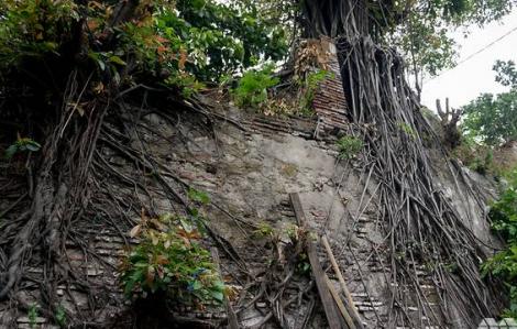 Chạy đua với thời gian để bảo vệ tường cổ 400 tuổi
