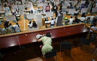 Nhọc nhằn tìm việc sau khi kinh tế Trung Quốc mở cửa trở lại