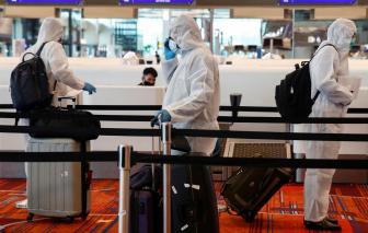 Singapore cho du khách đeo thẻ điện tử để thực thi kiểm dịch