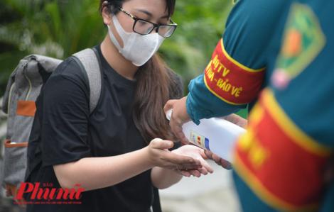 Trước kỳ thi tốt nghiệp THPT, TPHCM phát hiện 11 học sinh trở về từ Đà Nẵng