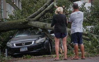 COVID-19 chưa qua, bão đã tràn tới tàn phá nhiều bang ở Mỹ, ít nhất 4 người chết