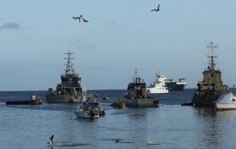 Dưới áp lực quốc tế, Trung Quốc chấp thuận giám sát đội tàu cá gần Galapagos