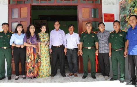 Bàn giao 10 căn nhà tại điểm chốt dân quân biên giới tỉnh Long An