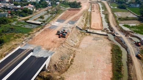 Thủ tướng chỉ đạo tháo gỡ khó khăn cho dự án cao tốc Bến Lức - Long Thành