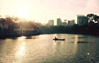 Rong chơi Sài Gòn: Qua những dòng kênh ban sáng