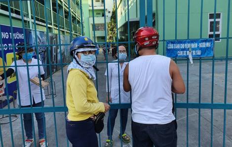15 bệnh nhân ở Bệnh viện Đà Nẵng mắc COVID-19 ít ra ngoài nhưng người thân thường xuyên thay nhau đến thăm nuôi