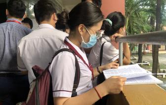Ngày đầu thi THPT ở TPHCM: Không có thí sinh vi phạm, cán bộ thanh tra bị nhắc nhở