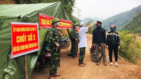 56 sinh viên Lào tự ý về nước giữa mùa dịch COVID-19