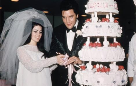 Những chiếc váy cưới của các ngôi sao hơn 50 năm qua