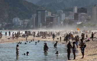 Brazil đối phó ra sao với những kẻ tắm biển bất chấp đại dịch?