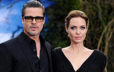 """Angelina Jolie dùng ''chiến thuật"""" với Brad Pitt"""
