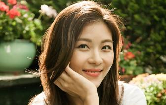 Ha Ji Won vẫn phong độ và chuyên nghiệp khi tái xuất