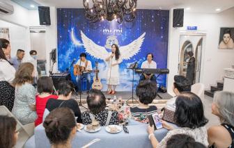 Doanh nhân Diễm Hằng hát Tạ tình mừng sinh nhật 25 năm Mimi Clinic & Spa