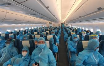 TPHCM đón 297 du khách đầu tiên bị mắc kẹt ở Đà Nẵng vì COVID-19