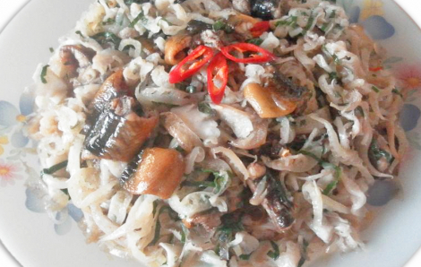 Lươn đồng om củ chuối