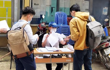 """Những phận người trong """"cơn bão"""" mất việc ở Sài Gòn"""